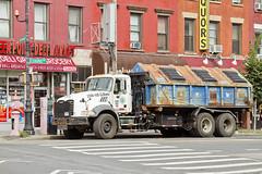 r_130723267_beat27_a (Mitch Waxman) Tags: truck greenpointbrooklyn garbagetruck rollon greenpointavenue