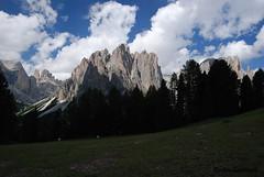 Dal ciampedi - Catinaccio, Torri Vajolet e Larsech (Endro G.) Tags: panorama landscape nikon val di alto 18200 montagna vigo trentino dolomiti torri adige giannelli fassa catinaccio vajolet 2013 d80 endro larsech