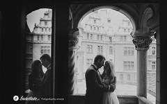 swietliste-fotografujemy-emocje-fotografia-slubna-romantyczny-plener-zamek-moszna