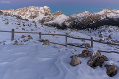 Ora blu, forcella Sief (sml_sc) Tags: montagne neve bluehour dolomiti giau coldilana cimasief