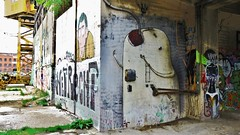 Bisser / Dok - 16 mei 2015 (Ferdinand 'Ferre' Feys) Tags: streetart graffiti belgium belgique belgië urbanart graff ghent gent gand graffitiart arteurbano artdelarue bisser urbanarte