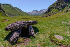 Dolmen de aguas tuertas. (Carlos J. Teruel) Tags: nikon rocas dolmen pirineos filtros aguastuertas xaviersam carlosjteruel d800e vacaciones2014 dolmendeaguastuertas