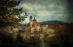 Urbino (Raul-64) Tags: urbino marche italia texture paesaggio landscape
