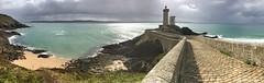 En passant par le Petit Minou (Kambr zu) Tags: erwanach kambrzu finistre bretagne lighthouse tourism ach sea phare lanterne ciel seascape landescape bridge sun
