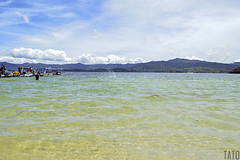 Laguna de Tota (Tato Avila) Tags: colombia colores clido cielos laguna lagunadetota boyac agua montaas
