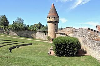 Cluny - tour d'enceinte  de l'abbaye