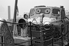 abandonné DxOFP XT1_DSF2328 (mich53 - thank you for your comments and 3M views!) Tags: fog brouillard boat bateaux abandoned abandonné limay îledefrance mantesenyvelines monochrome noirblanc bw xf1655mmf28rlmwr xt1 fujifilm fran explore morning matin toile spiderweb spinnweben toilesdaraignée lamarina riverside 2016 automne autumn
