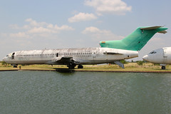 CP-2431 | Boeing 727-264/Adv | ex-AeroSur (cv880m) Tags: santacruz bolivia viruviru vvi cp2431 boeing 727 722 727200 727264 aerosur copadecampeones trijet ttail