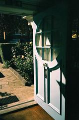Freud Museum - blue door (oh it's amanda) Tags: london londonengland uk pentaxespiomini pentaxuc1 fujisensia200 xpro crossprocessed expiredfilm