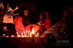 Family gathering (Moments2Memories) Tags: canon5dmarkii canon70200mmf28lisusm colorimage latinamerika meksika mexican mexico oaxaca southamerica ancestor candles cemetery color colors cultural culture dayofthedead dayofthedeads diadelamuertos diadelosmuertos documentary documentaryphotography festival folk girl graveyard kid mexicanculture mexicantradition mourning night nightphotography people places red relative stock stockphotography tradition traditional travel travelphotography younggirl