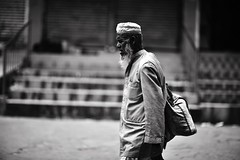 And I shall return.... (N A Y E E M) Tags: oldman vagabond homeless candid portrait afternoon street norahmedroad chittagong bangladesh carwindow
