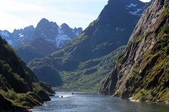 Entering the Trollfjord on a Tourist Ship (3) (Phil Masters) Tags: 21stjuly july2016 norwayholiday norway raftsund raftsundet thetrollfjord trollfjorden trollfjord
