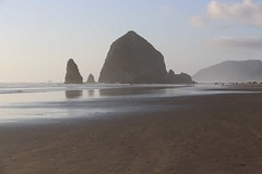 IMGL6859 (komissarov_a) Tags: cannonbeach haystackrock oregoncoast 101 formations tidepools sunsets spectacular ocean viewpoints rocks attraction tides running hiking skyhigh scenic pacific west surprise beautiful sandy shoreline perfect wonderland remarkable refreshing unbeatable stunning scenery unforgettable vistas naturalareas komissarova streetphotography rgb canon 5d m3 color rainforest downtown paradise dramatic enjoyable landscapes famous nationalgeographic magazine picturesque sidewalks artgalleries specialtyshops restaurants oneoftheworlds100mostbeautifulplaces