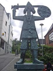 Viking. Sandnessjoen. Île Alsten. Norvège (fvib'r) Tags: sculpture sculptures statue sculpturemétal norway norvège sandnessjoen îlealsten viking