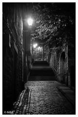 Sunday morning (MNP[FR]) Tags: 2016 ecosse edimbourg edinburgh scotland morning street lights black white high iso samsung rue noir et blanc matin aube lumires nx1