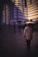 Italian People IV (Gure Elia) Tags: duomo siena italy italia back oldwoman paraguas umbrella rainyday rainynight night noche vertical canon50mm14 canoneos5dmarkii toscana