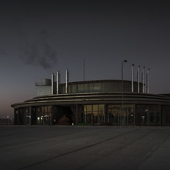 Smoke (Julio Lpez Saguar) Tags: juliolpezsaguar madrid espaa spain espacios spaces industria industry amanecer dusk edificio building urbano urban paisaje landscape luz light concepto concept