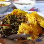"Egg and Banyan Leaf Lunch <a style=""margin-left:10px; font-size:0.8em;"" href=""http://www.flickr.com/photos/14315427@N00/6924302748/"" target=""_blank"">@flickr</a>"