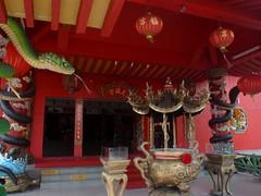 Tian Hock Kung -  (eijimurakoso) Tags: red temple snake chinese malaysia   klang selangor      tianhockkung