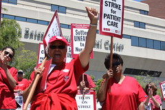 Sutter Strike - Summit Rally (calnursesphotos) Tags: oakland union strike nurse rn cna safestaffing altabatessummitmedicalcenter californianursesassociation sutterhealth rnstrike