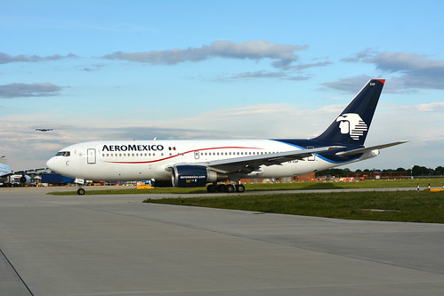 AEROMEXICO BOEING 767/2 TAXING OUT TO 27R FOR DEPARTURE
