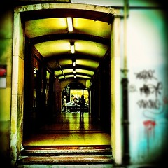 Pasadizo #gijon #streetphoto #cities (Asturiphone) Tags: cities streetphoto gijon uploaded:by=flickstagram instagram:venue_name=gijc3b3n instagram:venue=14278454 instagram:photo=1890597300272805068026757