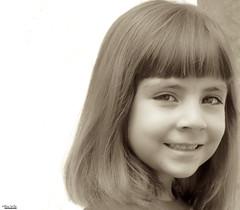 Shy smile (Blas Torillo) Tags: portrait girl smile face sepia mxico mexico nikon retrato cara models modelos coolpix sonrisa puebla emi rostro p500 professionalphotography childmodels nikonp500 nikoncoolpixp500 coolpixp500 fotografaprofesional mexicanphotographers fotgrafosmexicanos