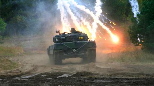 Leopard 2 A6 mit Nebelwand