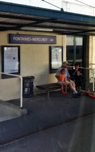 De Chalon à Dijon en omnibus Gare de Fontaines-Mercurey L'art d'être grand-père