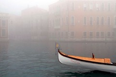 Venedig im Nebel (ViktorHi) Tags: venice fog nebel venise venedig brouillard uploaded:by=flickrmobile flickriosapp:filter=nofilter