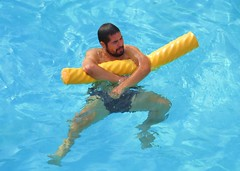Payaso 163 (danimaniacs) Tags: beard swimmingpool trunks swimsuit payaso