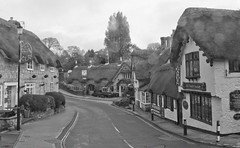 Shanklin. Isle of Wight. (Adrian Walker.) Tags: bw wight shanklin cottages canon60d elementsisle nthatched