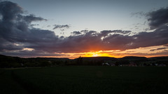 Sunset . (:: Blende 22 ::) Tags: sunset sun clouds germany landscape deutschland evening thringen sonnenuntergang cloudy wolken thuringia german landschaft sonnenstrahlen eic abends landkreis bewlkt eichsfeld heilbadheiligenstadt canoneos5dmarkii ef2470f28liiusm