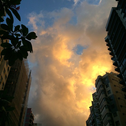 Nuvens da cidade. #niterói #cloud #sunset #riodejaneiro #brasil #pordosol #nuvem