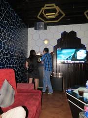 De karaoke ruimte (MTTAdventures) Tags: locals karaoke zingen