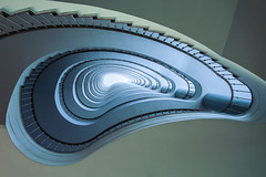 Wave I (Elbmaedchen) Tags: staircase treppenhaus architektur geometrie roundandround berlin