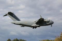 Qatari C-17A on final approach to runway 07 at Brize Norton (dyvroeth) Tags: a7mao c17a lhob246 rafbrizenorton bzz egvn witney oxfordshire unitedkingdom gbr