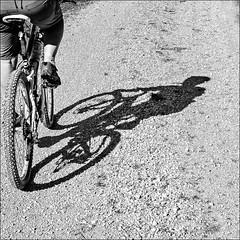 o&o > o&o (Heinrich Plum) Tags: heinrichplum plum fuji xe2 xf35mmf2 35mm schwarzweiss blackandwhite blackwhite schatten schattenbild shade shadow fahrrad bicycle mountainbike streetphotography streetphotographie street bavaria bayern cyclist cycle monochrom monochrome candid alpen alps berchtesgadenerland
