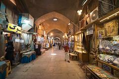 The Grand Bazaar of Isfahan (MadGrin) Tags: isfahan maḩallehyegolbahār irn città esfahan geo:lon=5167652000 city grandbazaar capital geo:lat=3265727100 geotagged iran maḩallehyegolbahär cittã
