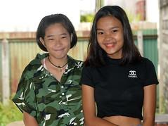 pretty teenagers (the foreign photographer - ) Tags: jan162016nikon two pretty teenagers khlong bang bua portraits bangkhen bangkok thailand nikon d3200
