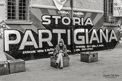 Bologna (Claudia Celli Simi) Tags: bologna italia centro bw bn biancoenero blackandwhite blackandwhitephoto piazzaverdi viazamboni zonauniversitaria murales graffito streetart muralart arteurbana urbanart streetphotography