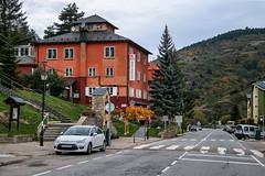 La Molina (Jorge Franganillo) Tags: puigcerd catalua espaa spain girona lacerdanya pueblo town village vila otoo tardor autumn lamolina