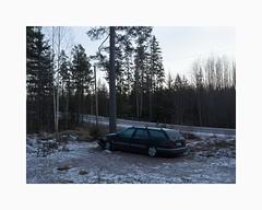 vre Valsan, Borlnge 2016 (Karl Gunnarsson) Tags: em5 panasonic20mmf17 vrevalsan borlnge dalarna sverige sweden dusk crescentmoon moonriseovervrevalsan citron xm citronxm break trees forest snow woods derelict wreck