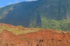 Hikers on the Na Pali Coast (Pink Hibiscus) Tags: kauai napalicoast napali hikers hiking scenic hawaii nikon d800 fx copyrighted allrightsreserved 2016 pinkhibiscus