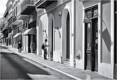 Calle San Francisco (San Francisco Street) (Samy Collazo) Tags: callesanfrancisco sanjuan oldsanjuan viejosanjuan puertorico canon20d canoneos28105usm streetphotography fotografiacallejera bn bw