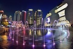 National Taichung Theater 台中歌劇院 (Vincent_Ting) Tags: 台中歌劇院 nationaltaichungtheater theater architecture 建築 台中市 西屯區 taichung taiwan 台灣 vincentting 七期 伊東豐雄 文化表演