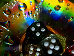 LET US PLAY WITH LIGHT _B191747 (hans 1960) Tags: licht light play spielen wrfel cubes farben colourful colour tropfen droplets wassertropfen eyecatcher catchy coloursfnf games troplets