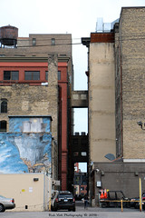Alley in MPLS (Rick & Bart) Tags: minneapolis minnesota twincities city urban usa architecture alley rickvink rickbart canon eos70d