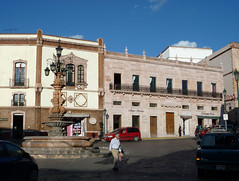 Zacatecas, Calle Guerrero. (helicongus) Tags: zacatecas estadodezacatecas méxico 2009