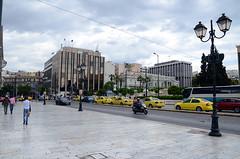 ΠΛΑΤΕΙΑ ΣΥΝΤΑΓΜΑΤΟΣ, (SYNTAGMA SQUARE). (George A. Voudouris) Tags: hellas athens greece athina 2012 syntagmasquare vouli evzones greekparliament αθήνα changeoftheguards σύνταγμα πλατεία ελλάσ τσολιάδεσ εύζωνεσ βουλήτωνελλήνων πλατείασυντάγματοσ athenscentre αλλαγήφρουράσ αθήνακέντρο 17may2012 panagiotispikrammenos